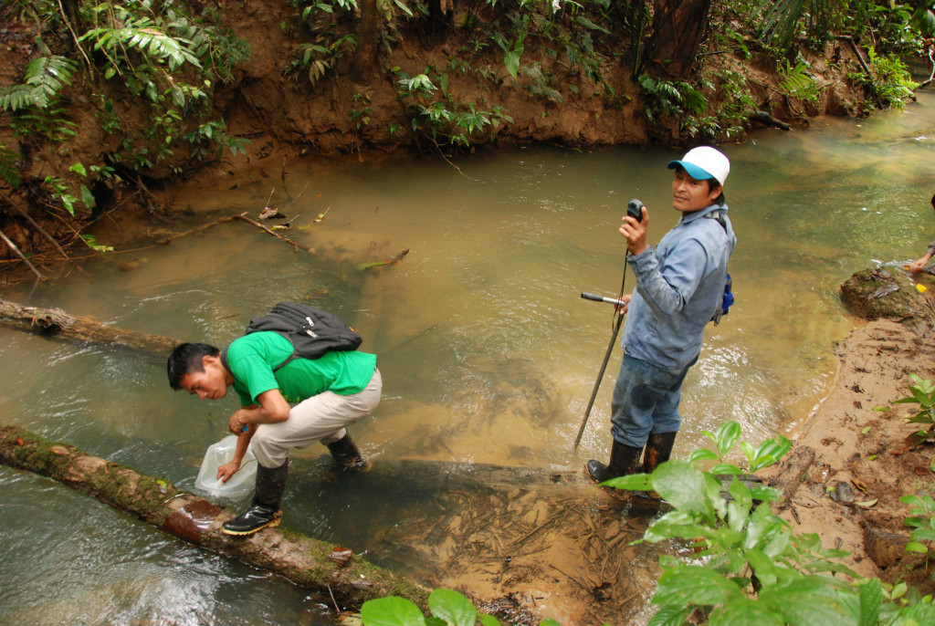 Measuring water quality in Peru